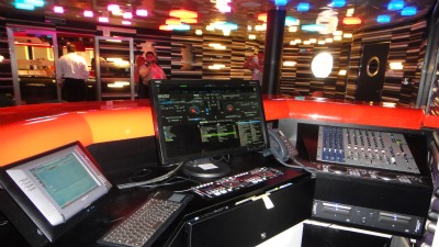 Vibe-dj-booth-THUMB